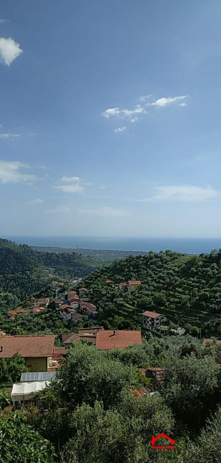 Villa in vendita a Montignoso, 5 locali, prezzo € 360.000   CambioCasa.it