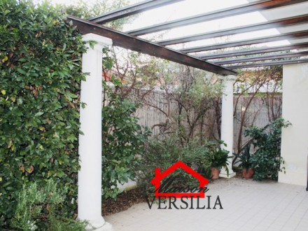 Massa, viale Roma rent pluriannualmente apartment with taverna, garden and parking