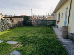 Massa, loc. Romagnano, a semi detached with garden and parking - 4