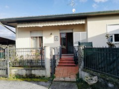 Massa, loc. Romagnano, a semi detached with garden and parking - 2