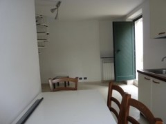 Semindependent for rent in Massa locality Castagnola - 4