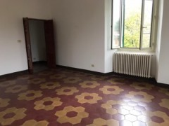Pontremoli, large square apartment - 11