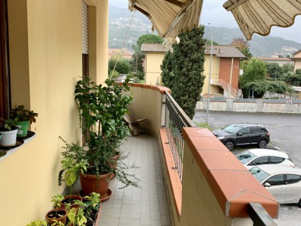EXCLUSIVE: 3-room apartment in Mirteto di Massa
